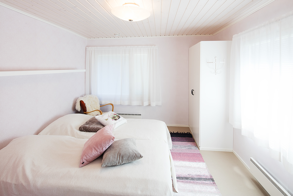 Viila Ebba holiday house and the bedroom.